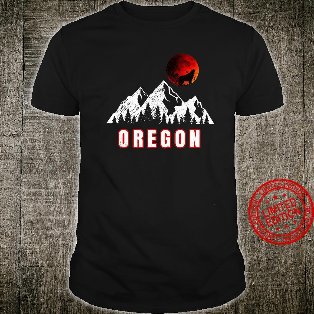 Oregon mountains wolf howling full moon Shirt